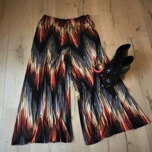 Kate & Mallory - Fun, colorful palazzo pants! NWOT